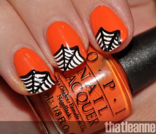 favorable-halloween-nail-art-designs