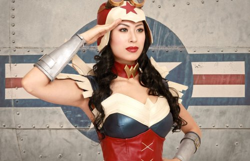 steampunk_wonder_woman_cosplay_costume_salute_by_apotheosiscosplay-d6si2xc